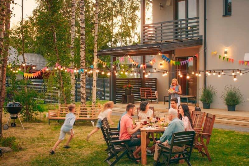 Consejos para mantener tu jardín cuidado en otoño y ahorrar energía